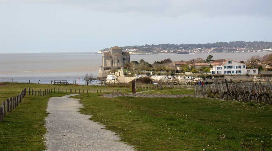 View-of-Talmont-sur-Gironde
